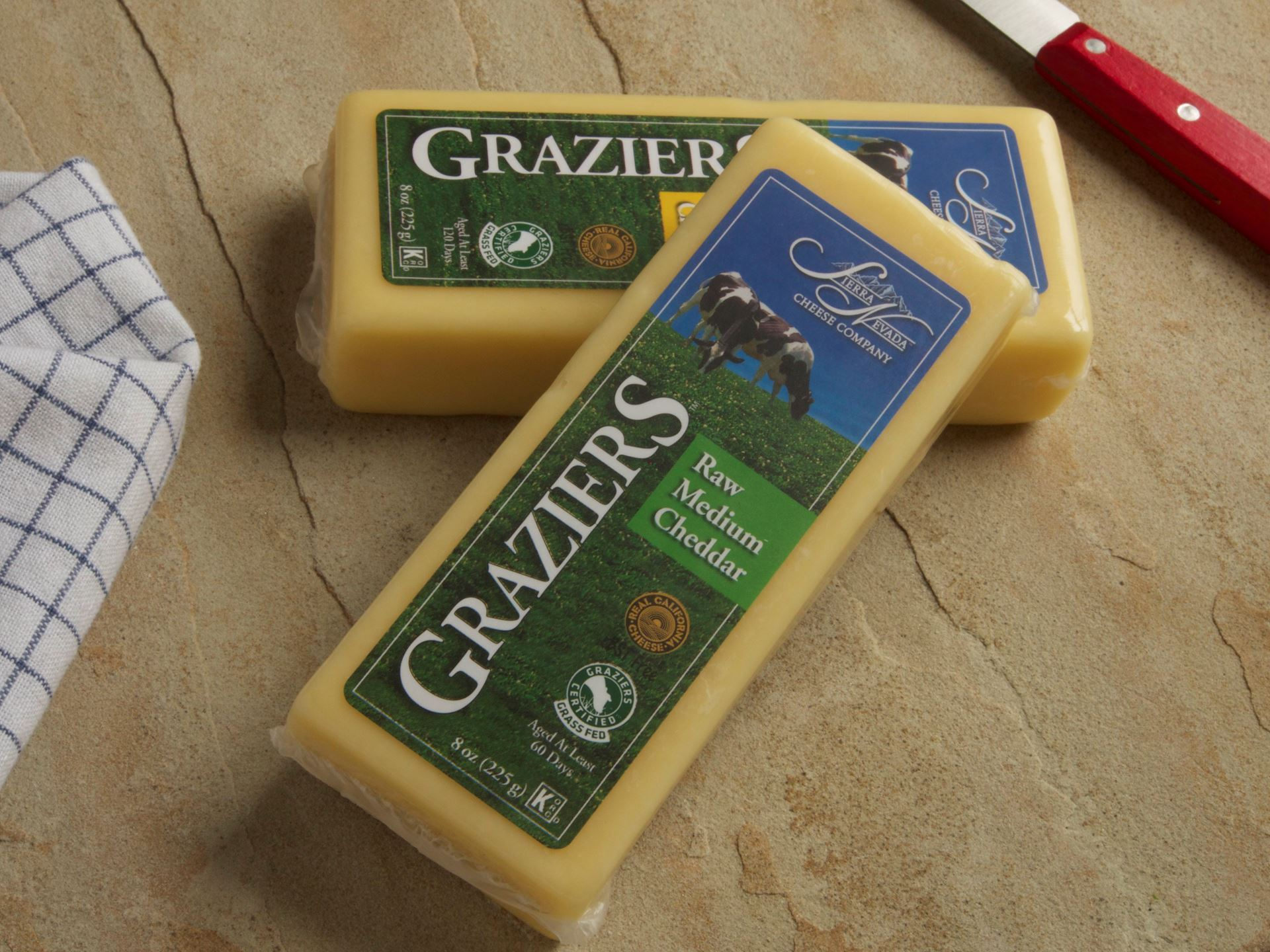 Picture of Graziers Raw Medium Cheddar