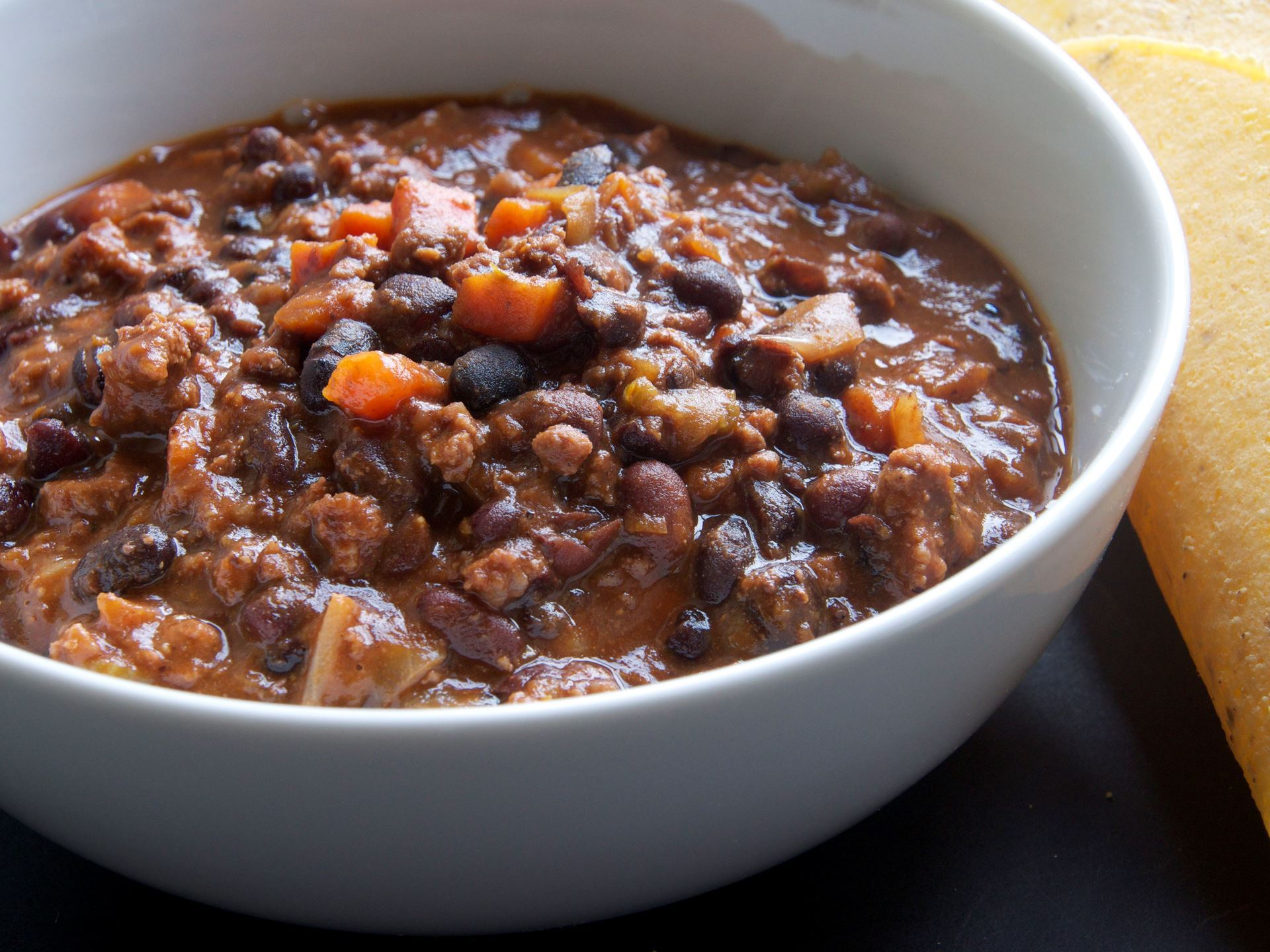 Picture of Frozen -- Black Bean Chili with Ground Beef 22 oz