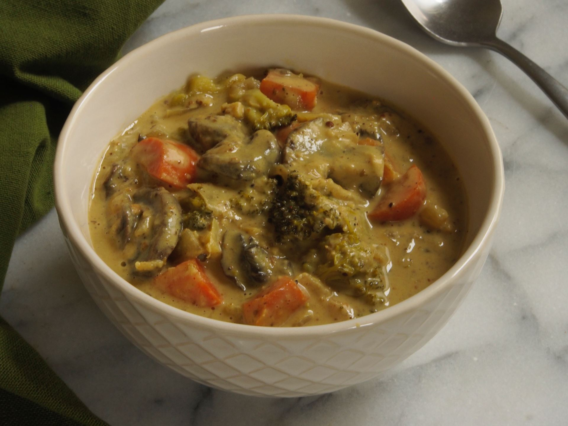 Picture of Frozen -- Peanut Curry with Vegetables 22 oz
