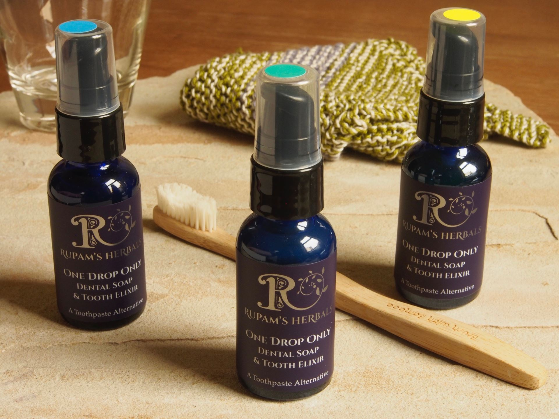 Picture of Rupam's Herbals Toothsoap Spearmint