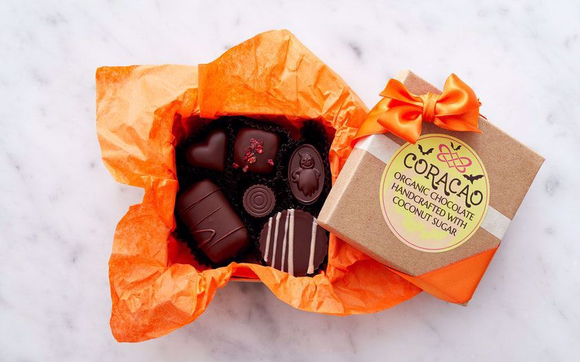 Picture of Coracao 6 Piece Halloween Box